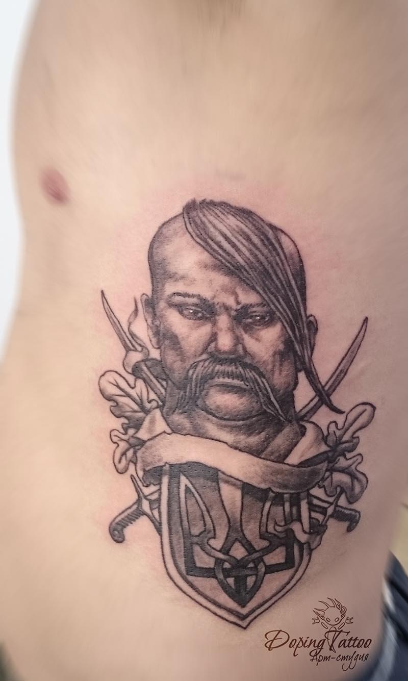 Женские татуировки на плечах фото